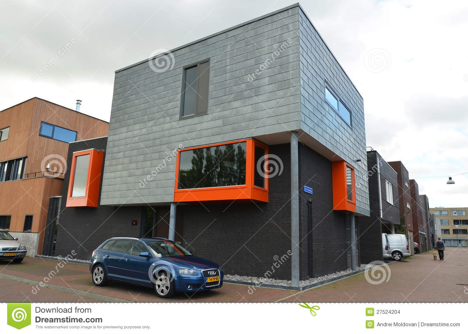 Moderne Wohnhäuser stockbild. Bild von modern, gehäuse - 44195727