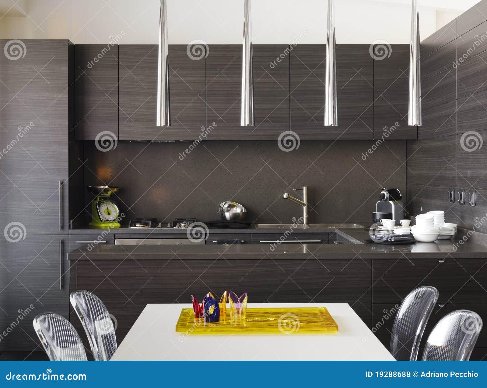 Moderne Keuken Hout : Moderne Houten Keuken Royalty-vrije Stock Foto's – Afbeelding
