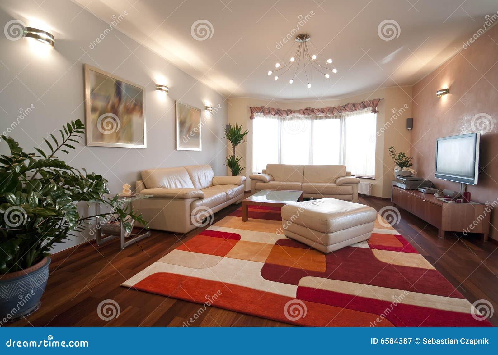 Mur moderne vivant intérieur de salle tv daffichage à cristaux liquides de maison plate confortable