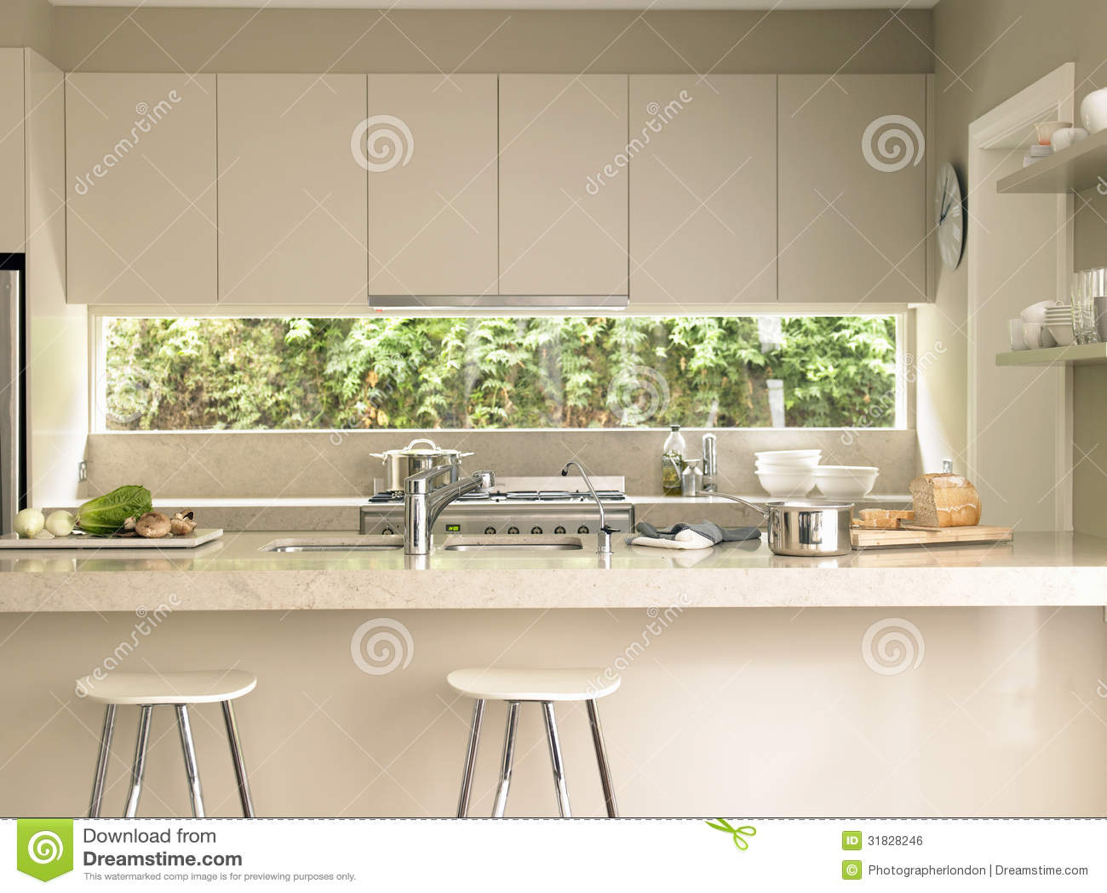 Moderne Küchen-Insel Lizenzfreies Stockbild - Bild: 31828246 | {Moderne küchen mit insel 18}