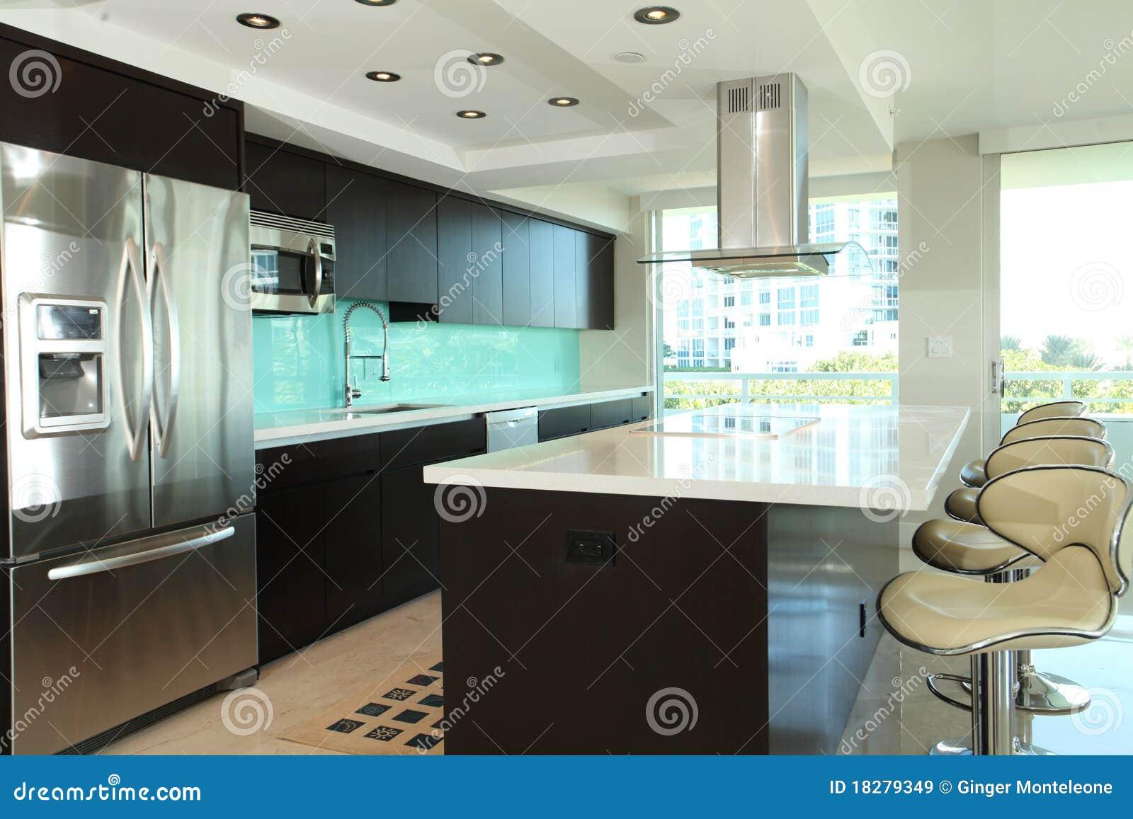 Moderne keuken royalty vrije stock afbeeldingen afbeelding 18279349 - Afbeelding moderne keuken ...