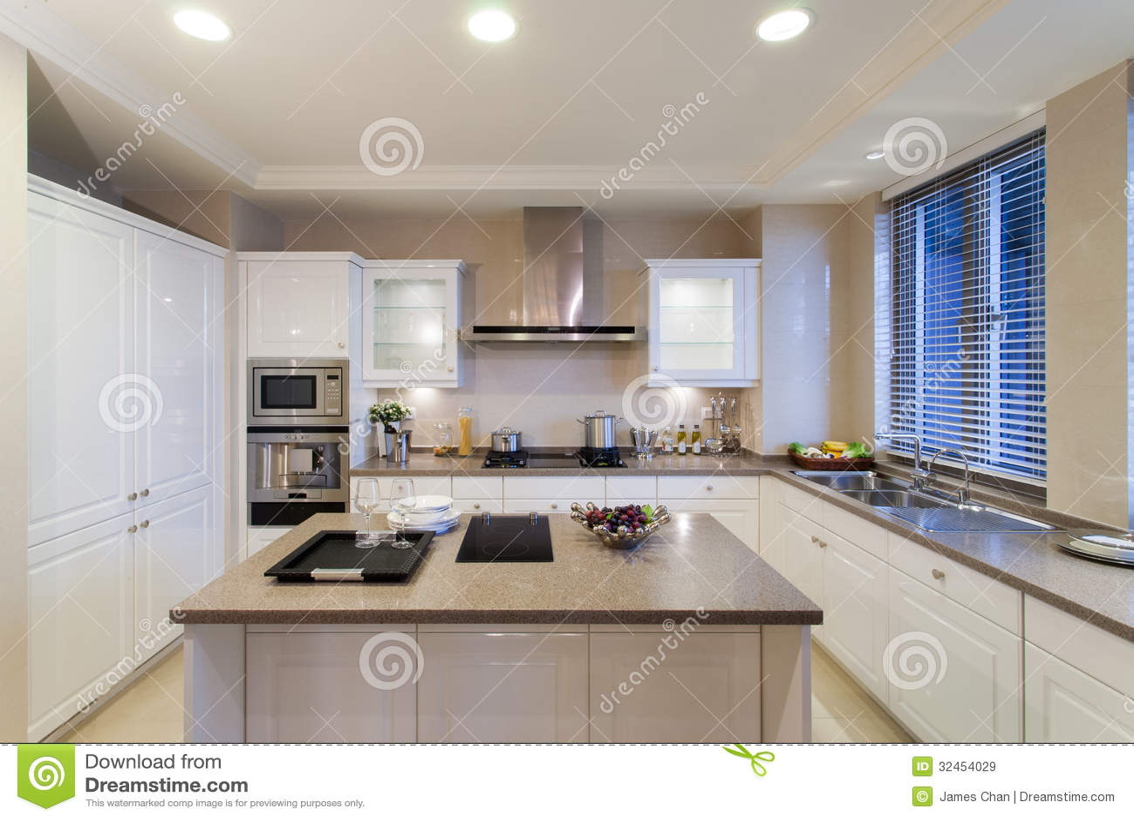 Moderne keuken stock afbeelding afbeelding bestaande uit binnen 32454029 - Afbeelding moderne keuken ...