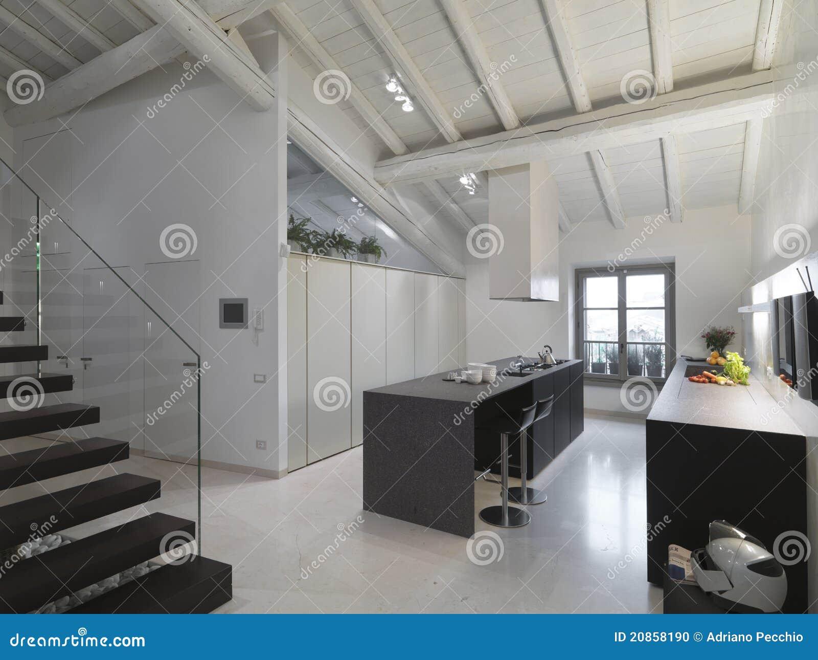 Moderne keuken in de zolder stock foto afbeelding 20858190 - Meubilair outdoor houten keuken ...