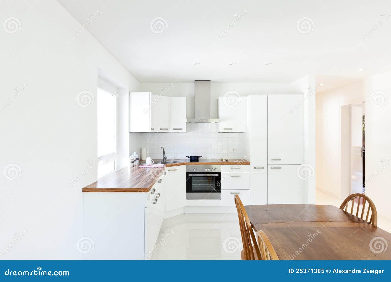 Moderne keuken eettafel stock afbeelding afbeelding bestaande uit habitation 25371385 - Eettafel moderne ...
