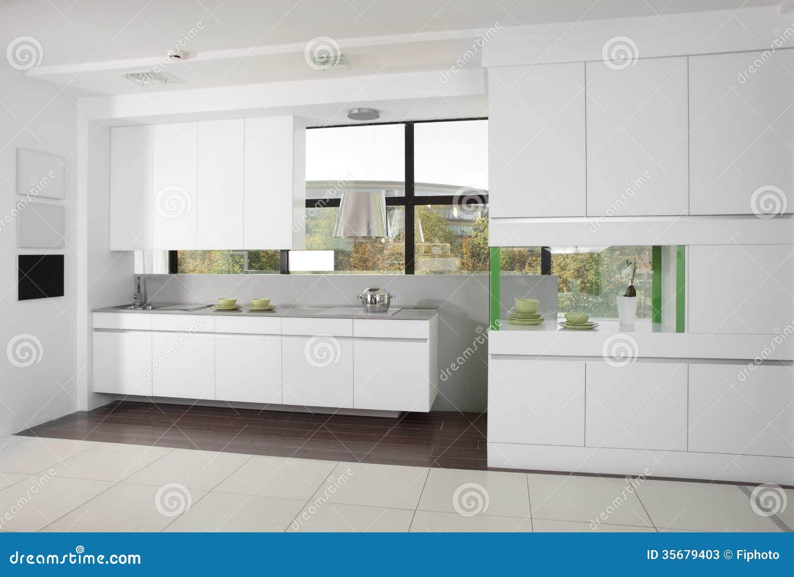 Moderne Keuken Lampen : Moderne keuken met modieus meubilair stock afbeelding afbeelding
