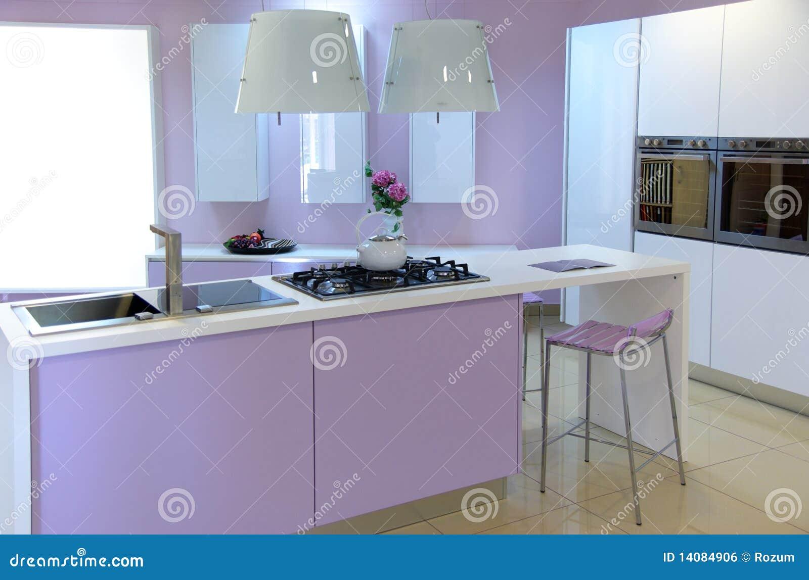 Moderne roze keuken royalty vrije stock afbeelding   afbeelding ...