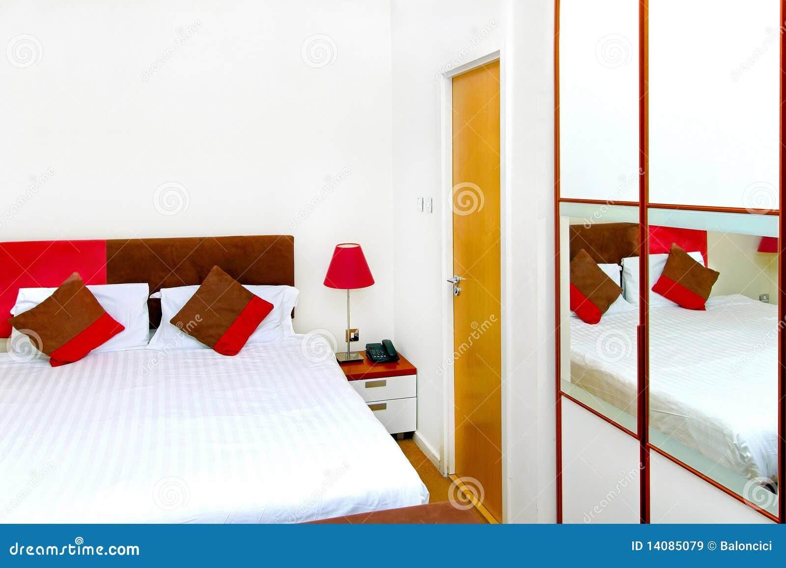 Moderne slaapkamer moderne rijke slaapkamer royalty vrije stock foto moderne slaapkamer - Volwassen slaapkamer lay outs idee ...