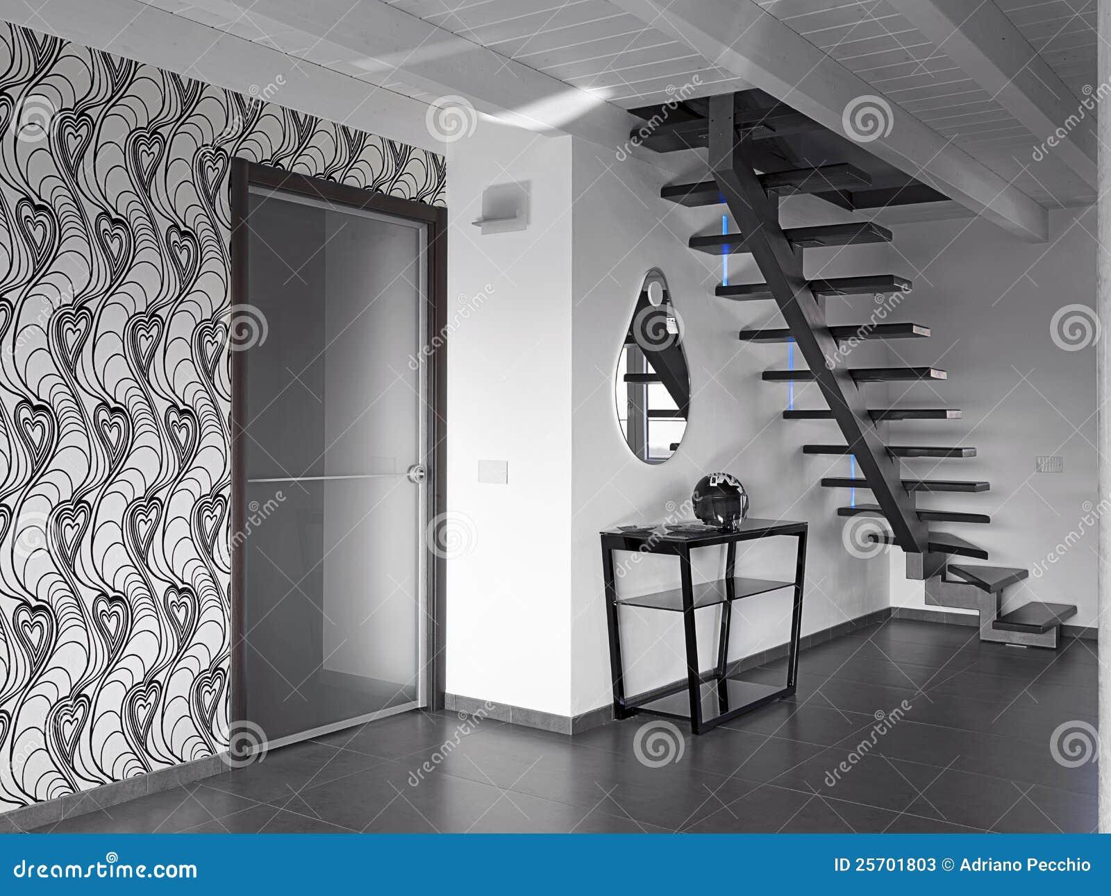 Moderne trap en zwarte console stock afbeelding afbeelding 25701803 - Foto moderne trap ...
