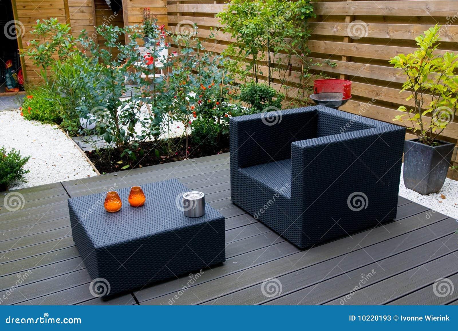 Moderne tuin stock foto 39 s afbeelding 10220193 - Grijze hoofdslaapkamer ...
