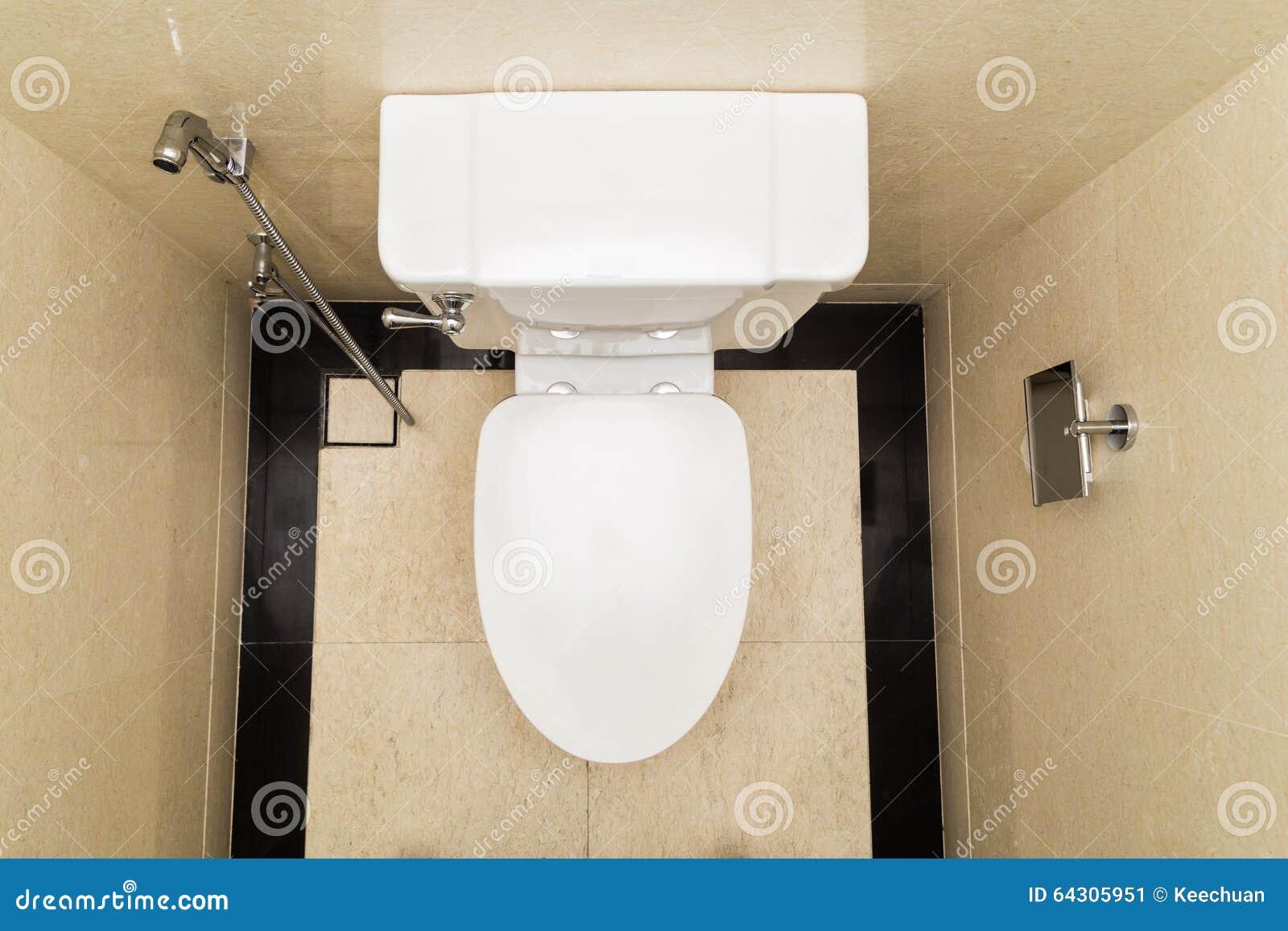 Moderne Und Hygienische Toilettenschüssel Mit Bidet Im Badezimmer ...