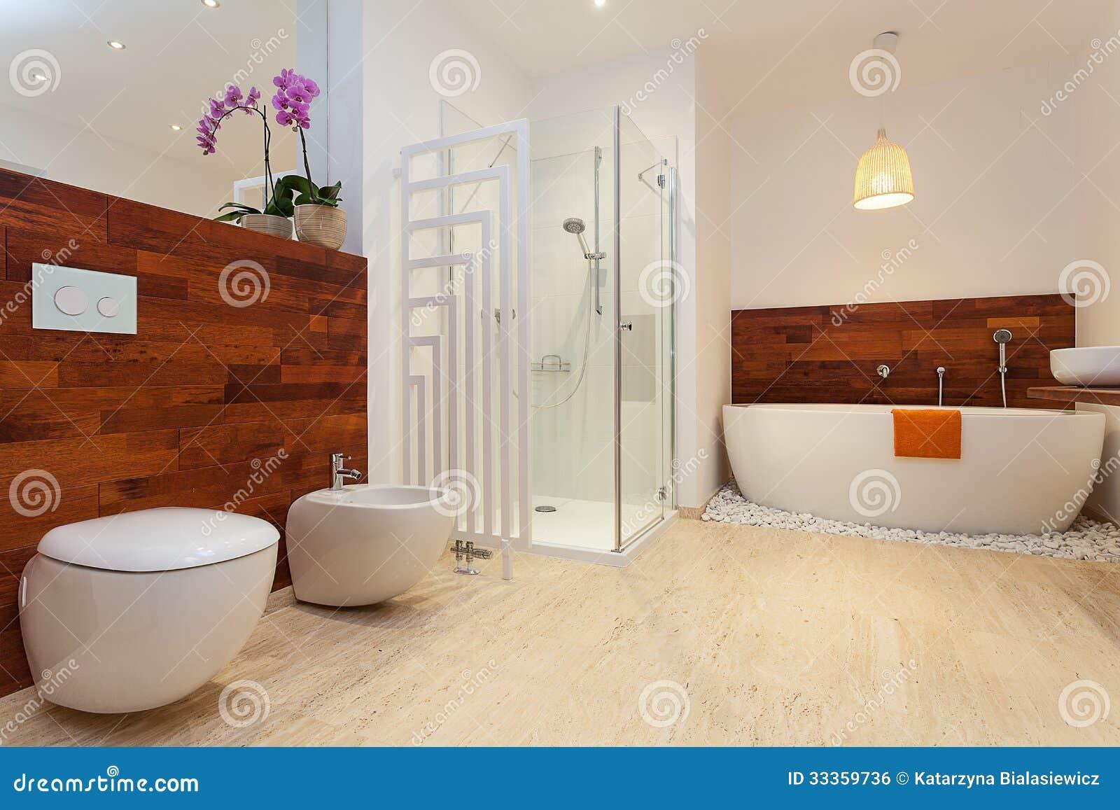Moderne warme badkamers stock foto afbeelding bestaande uit tapkraan 33359736 - Warme badkamer ...