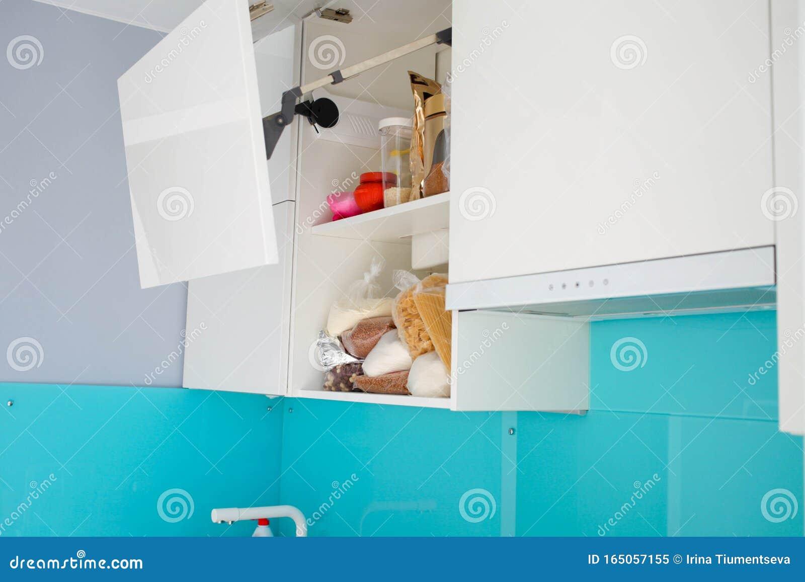 Moderne Weisse Kuche Ohne Griffe Stockbild Bild Von Kuche Ohne 165057155