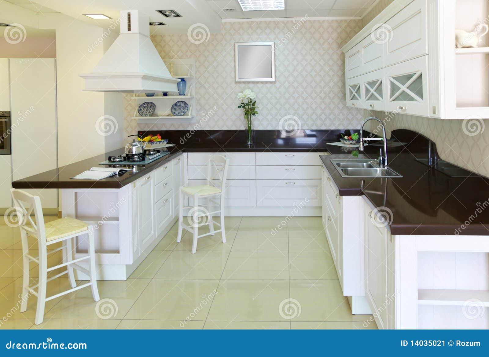 Moderne weiße küche stockbild bild 14035021