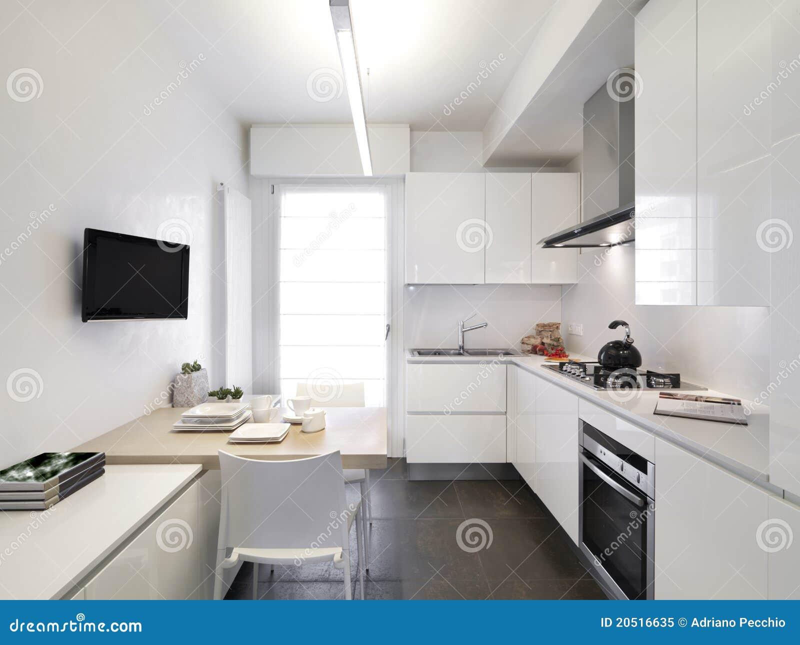 Moderne witte keuken stock afbeelding afbeelding bestaande uit