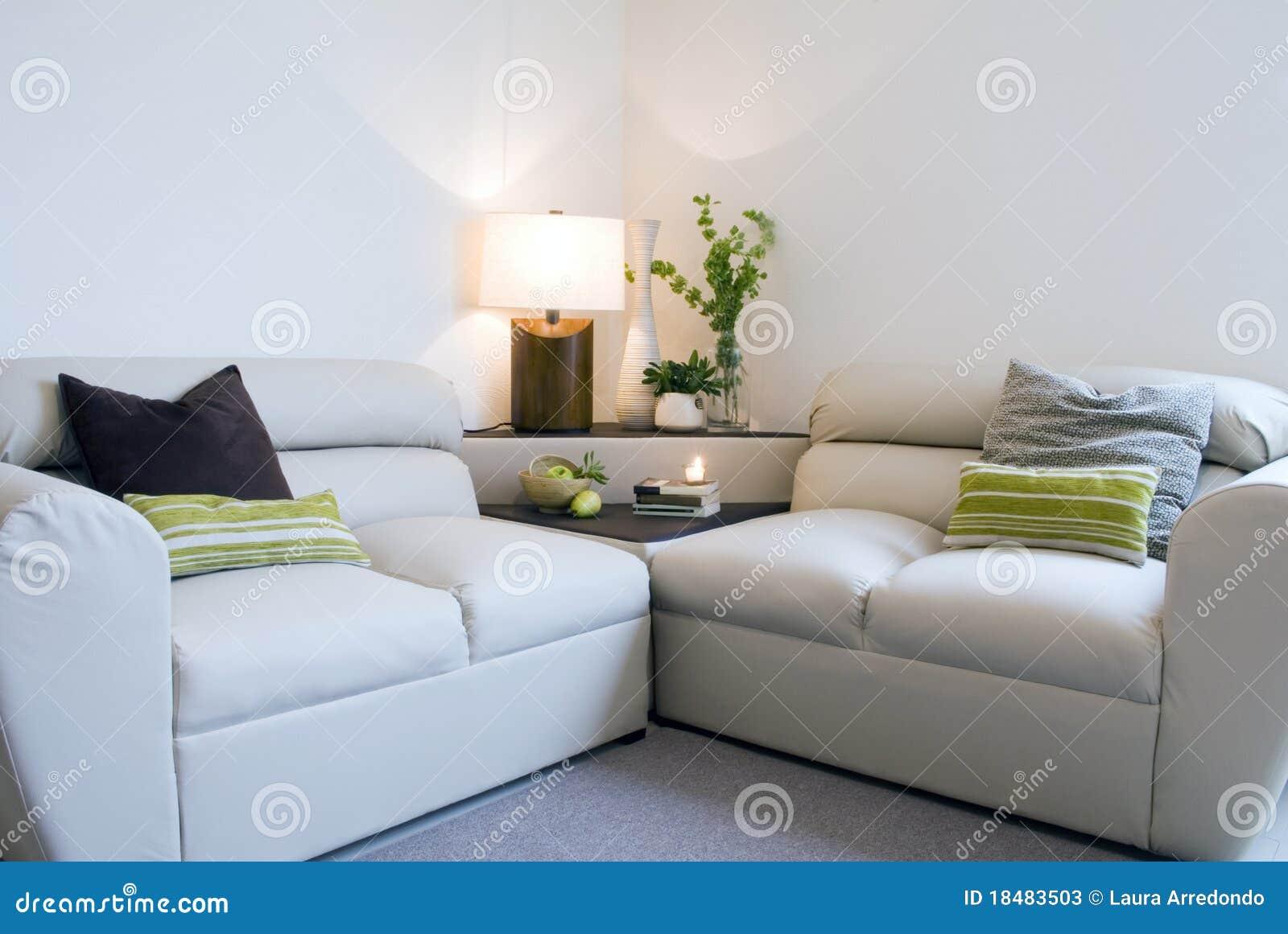 Moderne woonkamer stock foto's   afbeelding: 18483503