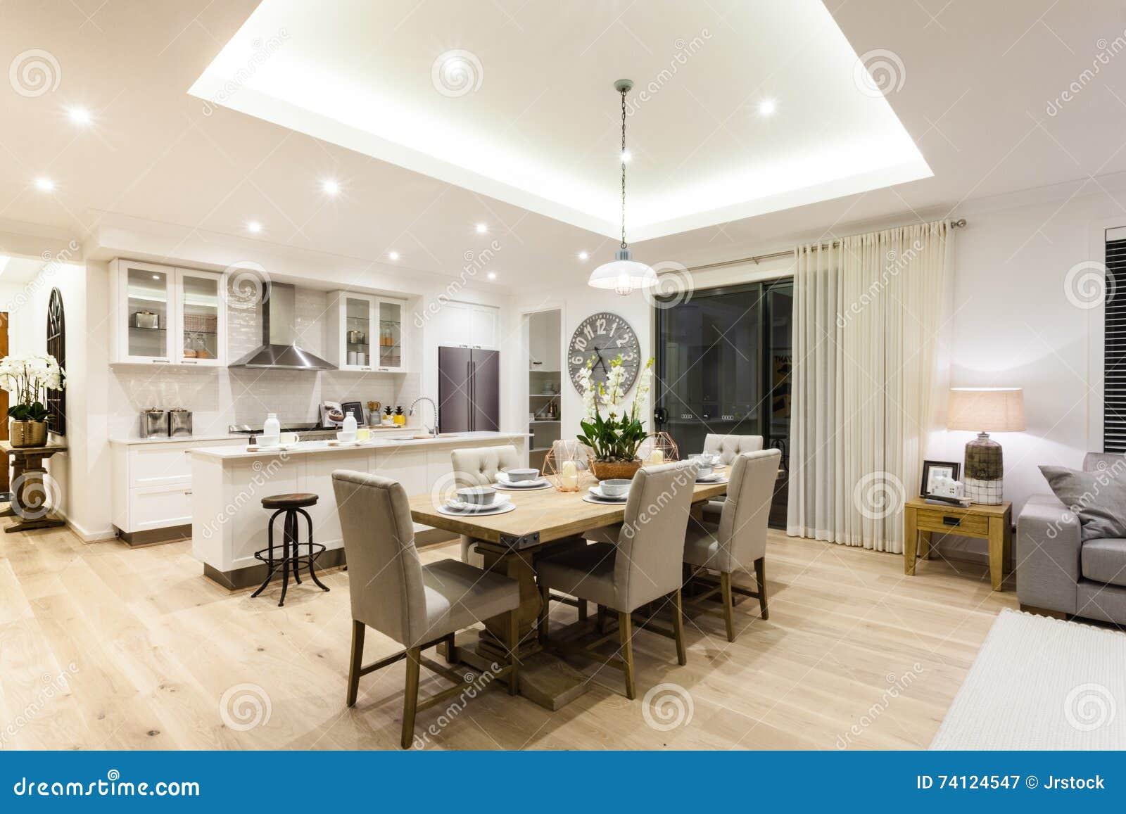 Moderne woonkamer en keuken met een houten vloer stock afbeelding afbeelding 74124547 - Moderne keuken en woonkamer ...