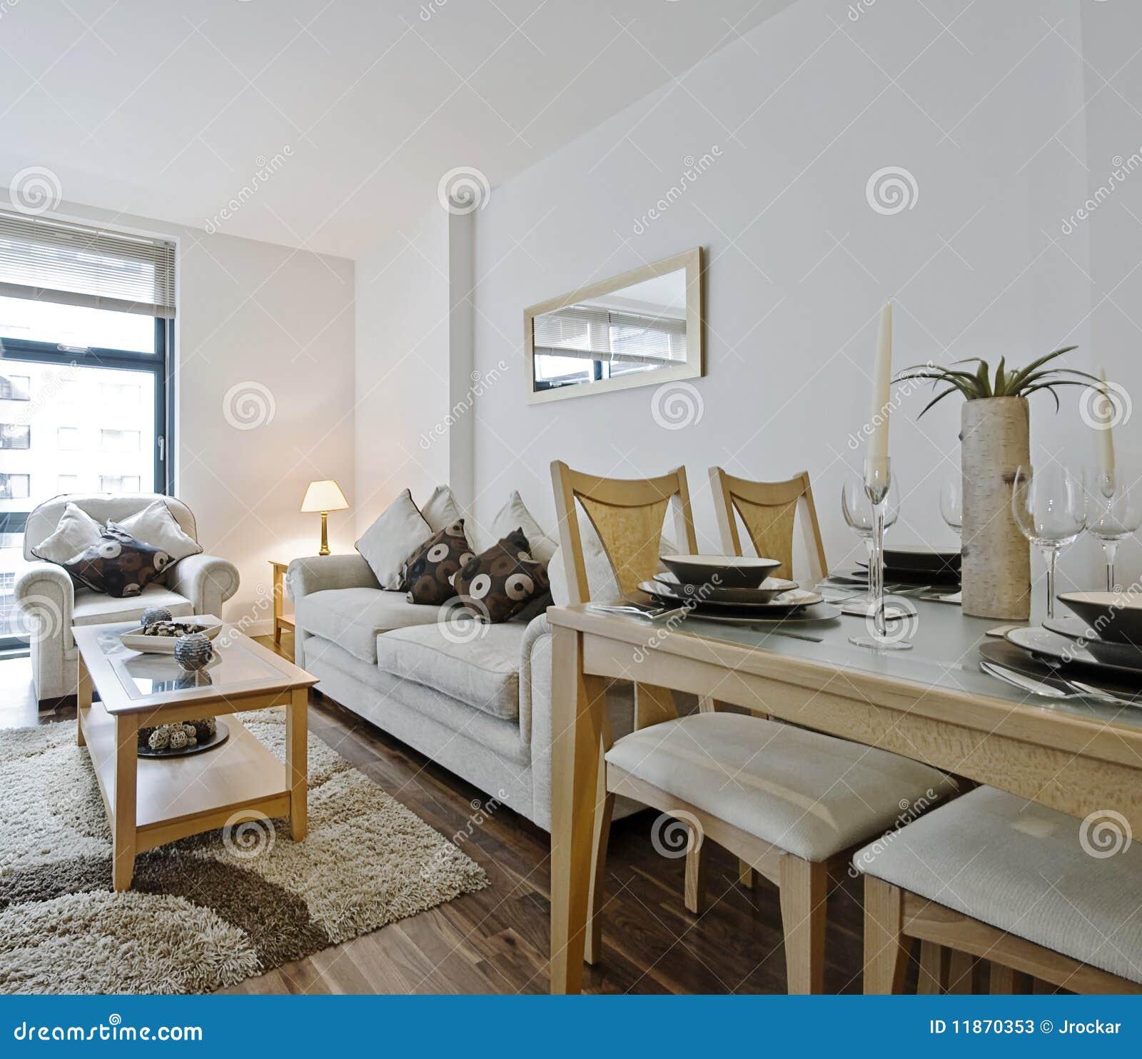 Moderne woonkamer met decoratie stock foto 39 s afbeelding 11870353 for Decoratie interieur woonkamer