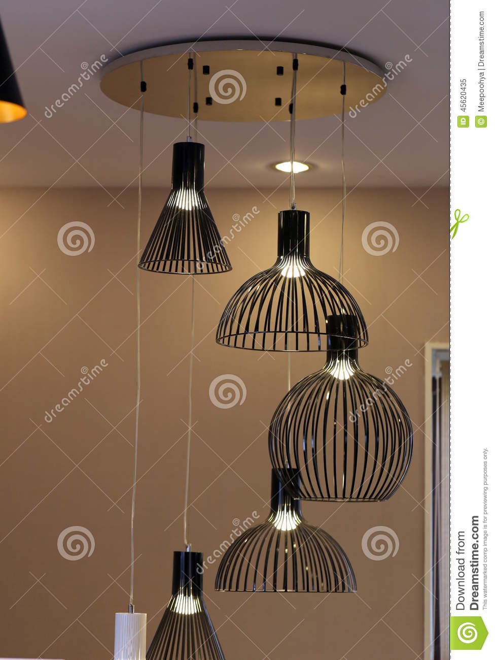 moderne zwarte lampen stock foto afbeelding 45620435. Black Bedroom Furniture Sets. Home Design Ideas