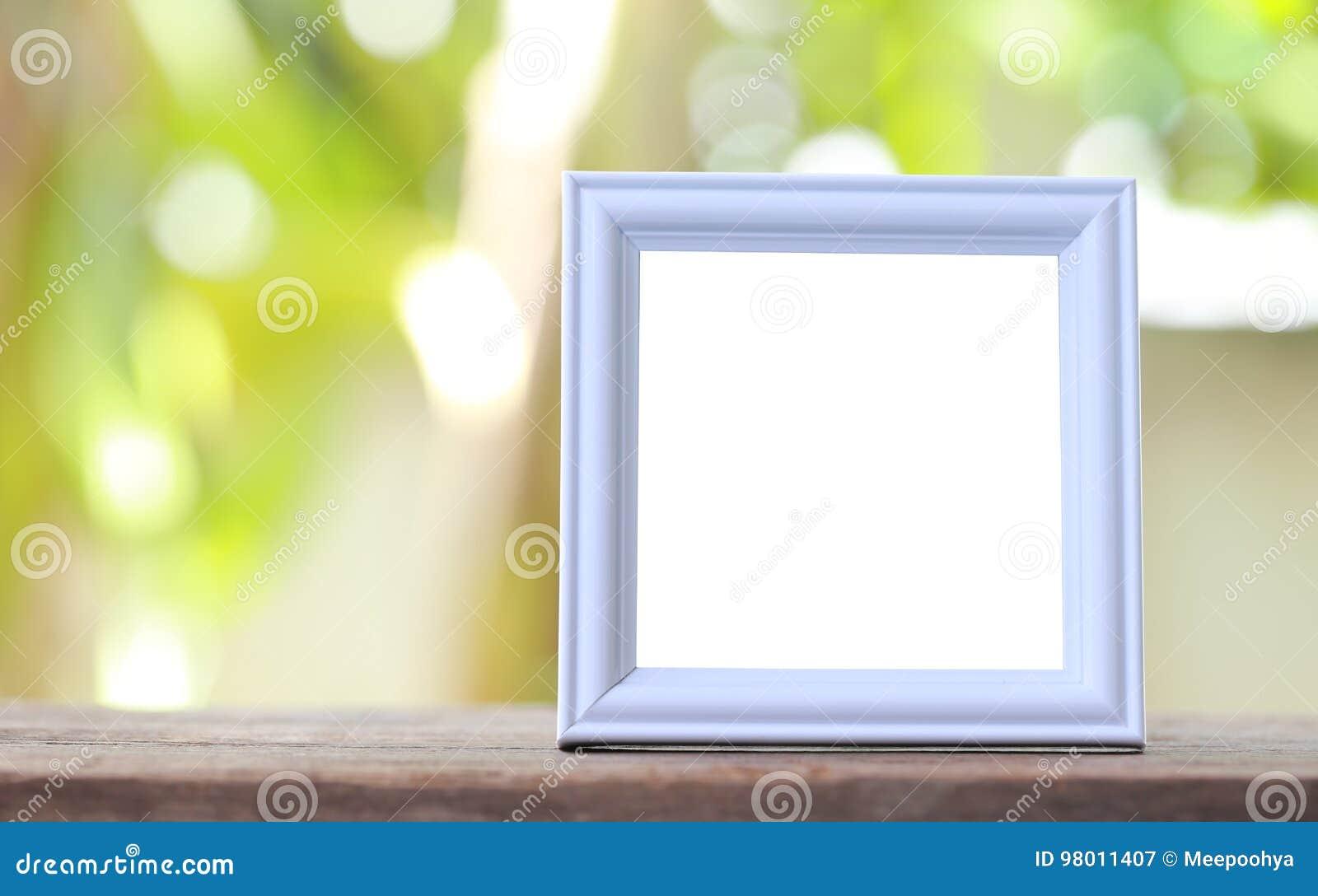Moderner Bilderrahmen Gesetzt Auf Einen Bretterboden Stockbild ...