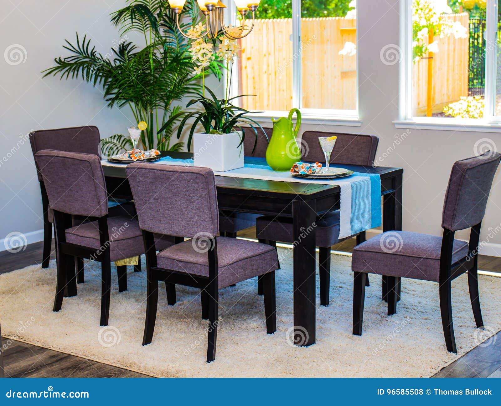 Esszimmer tisch und stuhle good mit sthlen frisch kleiner for Kleiner esstisch gunstig