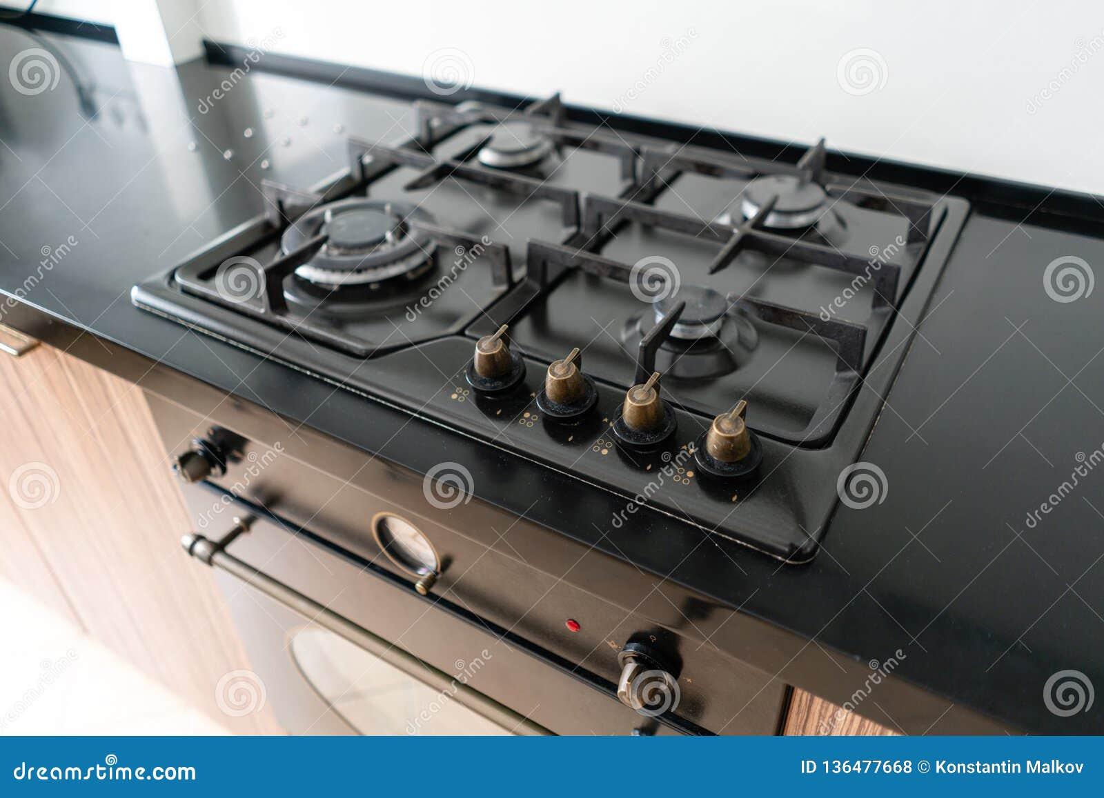 Moderner Gasbrenner Und Gewindebohrer Auf Einem Kochherd Dunkle