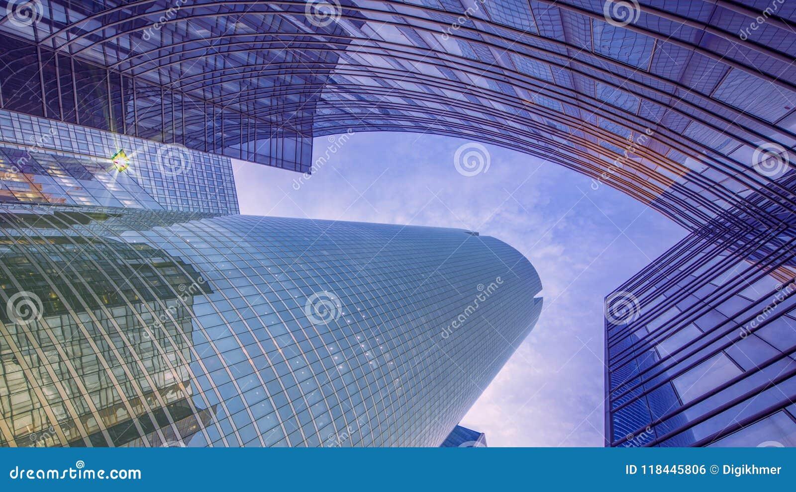 Moderner Gebäudeauszug