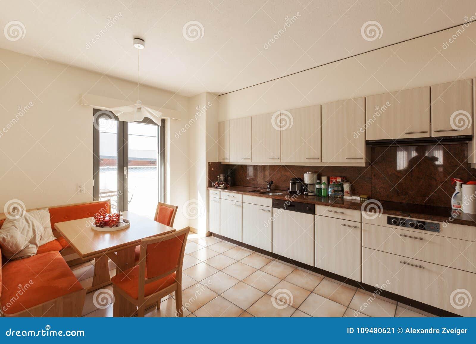 Moderner Hausinnenraum, Küche