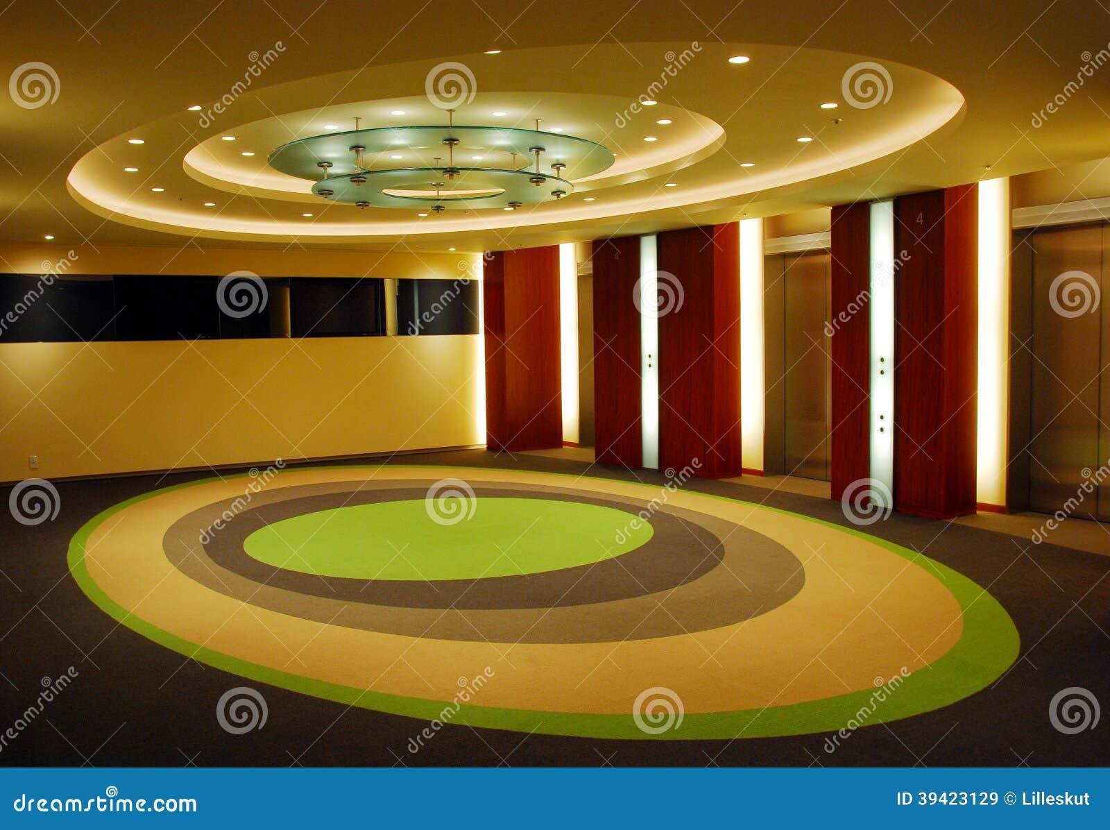 Moderner Korridor Mit Eiförmigem Design Der Decke Und Des Bodens ...