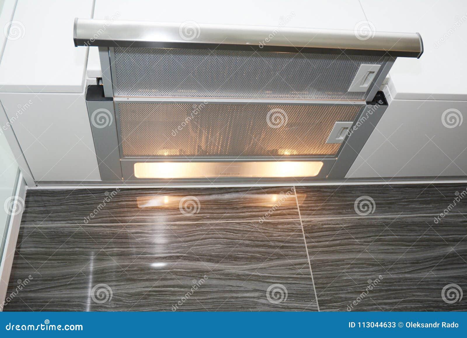 Moderner luftlüfterküche fan oder dunstabzugshaube edelstahl kamin