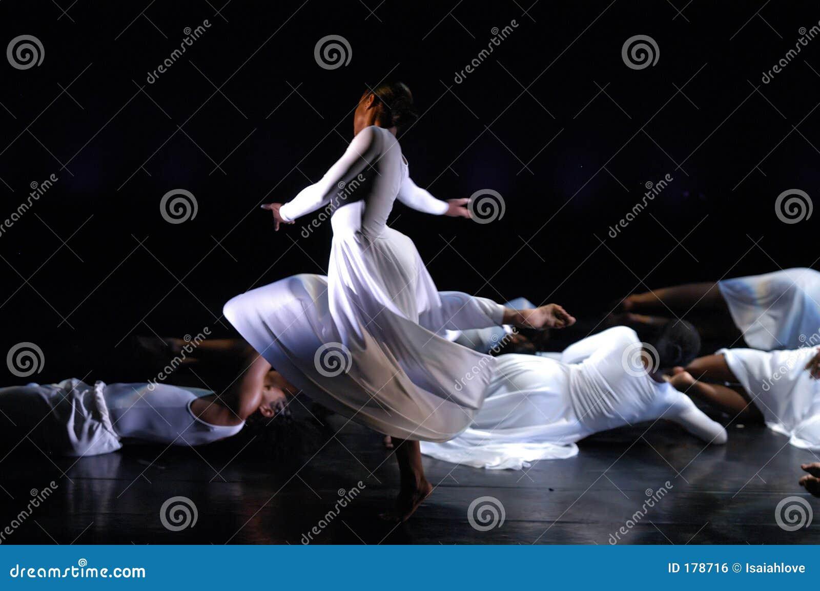 Moderner Tanz-Leistung 2