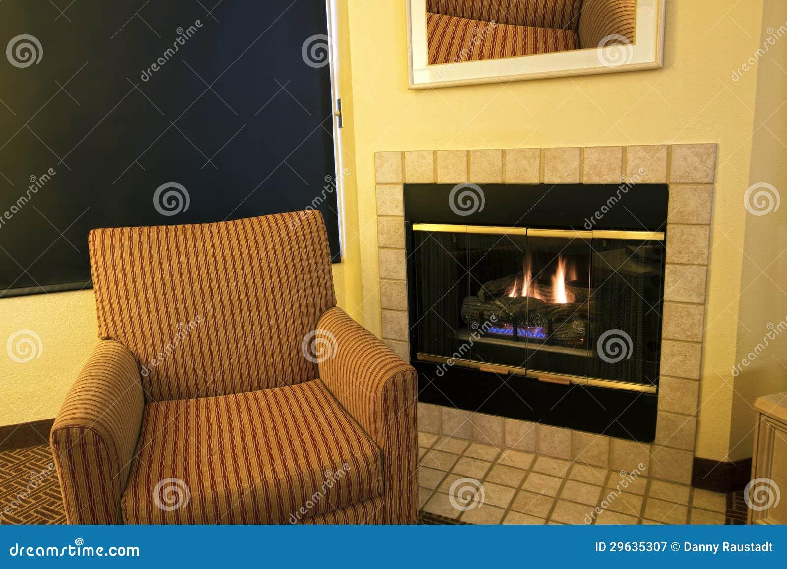 moderner wohnungs-wohnzimmer-kamin lizenzfreie stockfotografie, Hause ideen