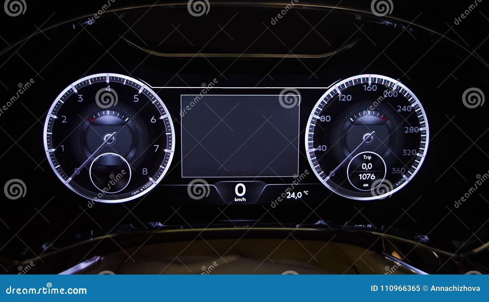 Entfernungsmesser Für Auto : Modernes auto belichtete armaturenbrettnahaufnahme stockbild