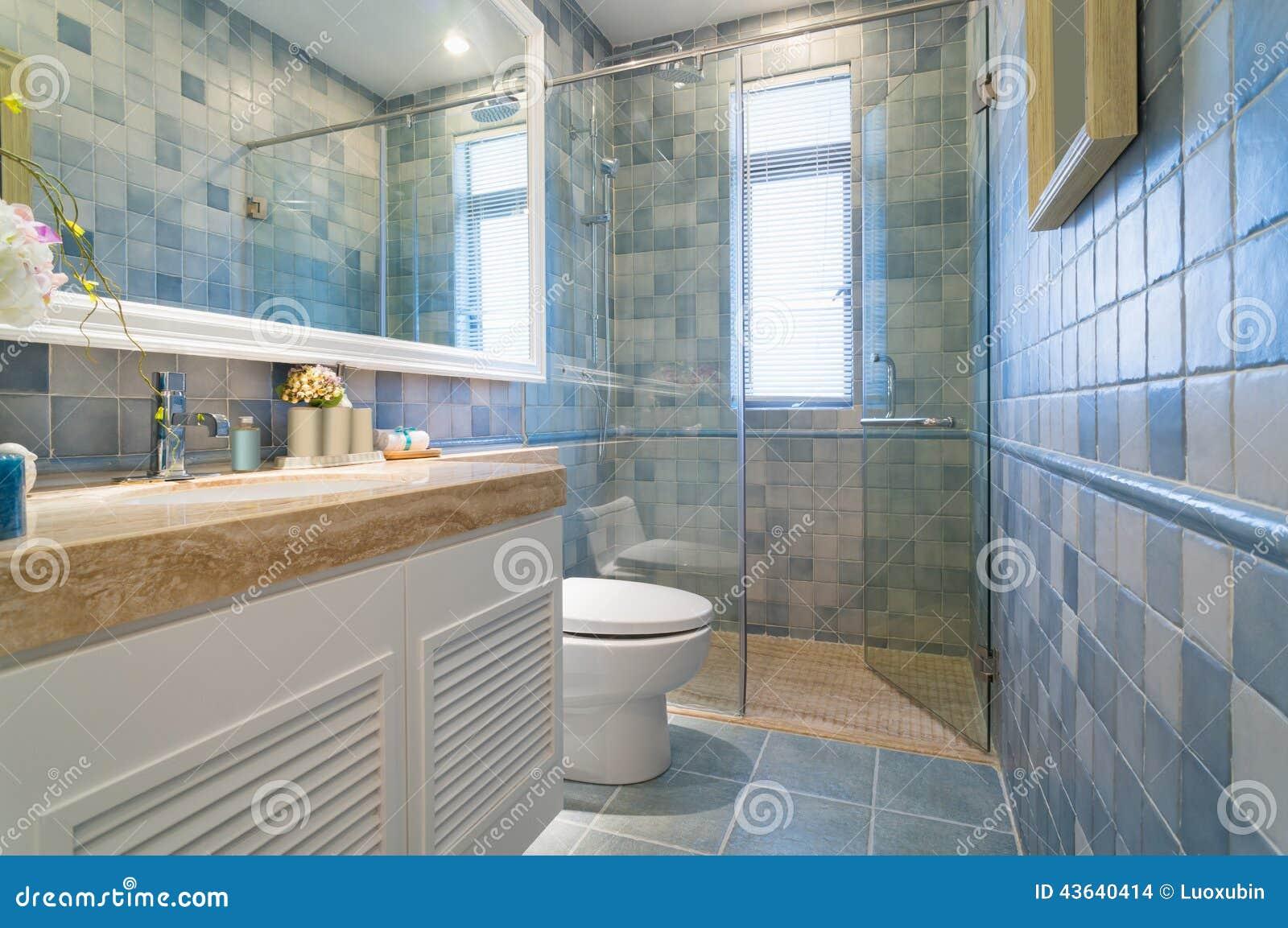 Modernes Badezimmer stockfoto. Bild von keramik, muster - 43640414