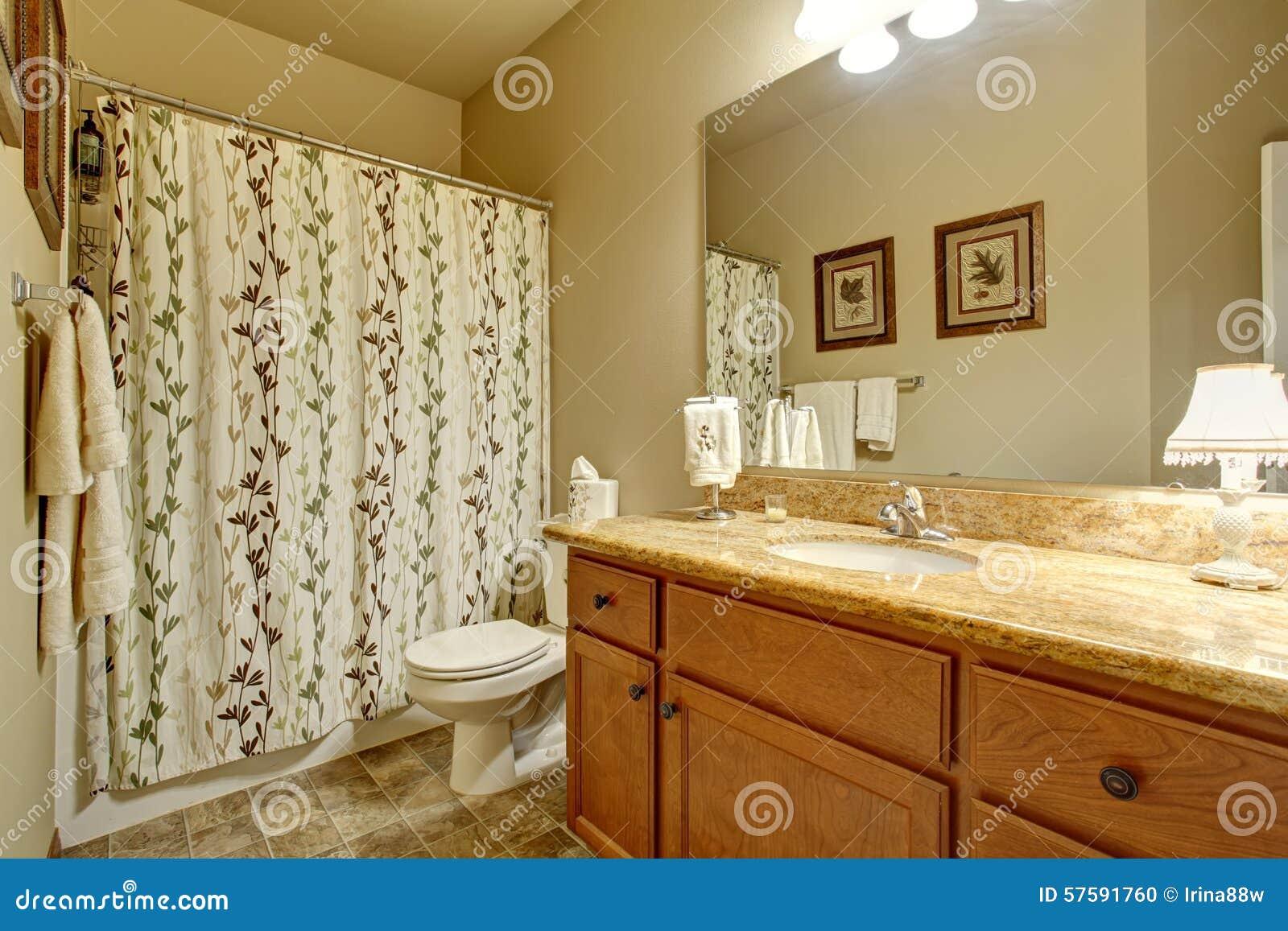 Modernes badezimmer mit dekorativem duschvorhang stockfoto bild 57591760