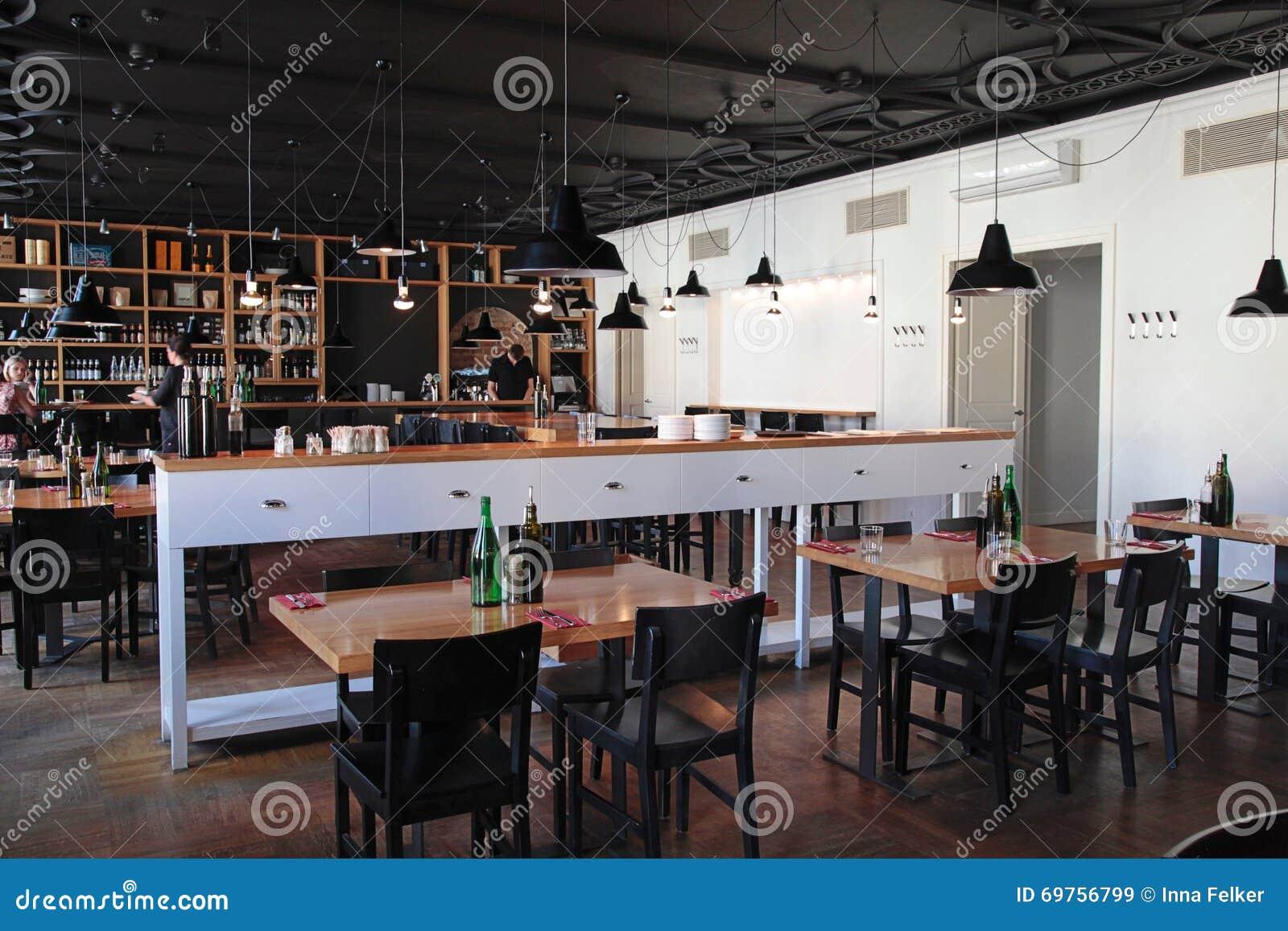 modernes caf mit gemtlichem innenraum