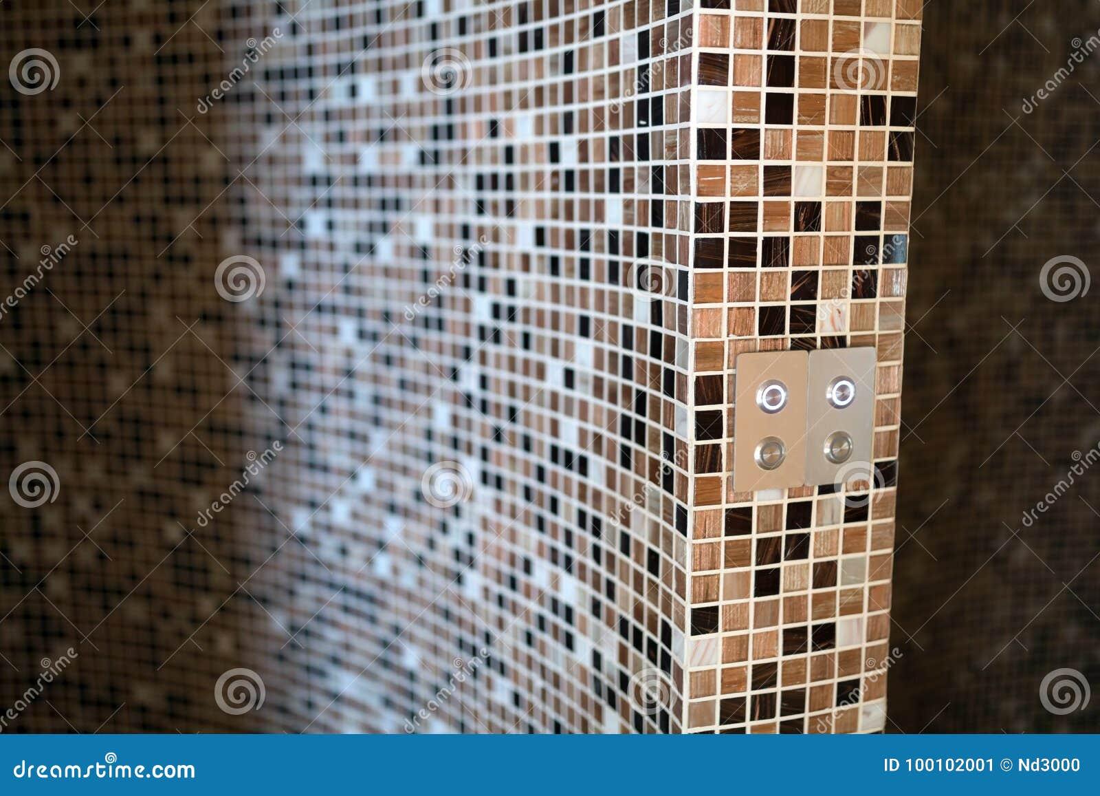 Modernes Dampfbad Mit Mosaikfliesen Stockbild - Bild von badezimmer ...