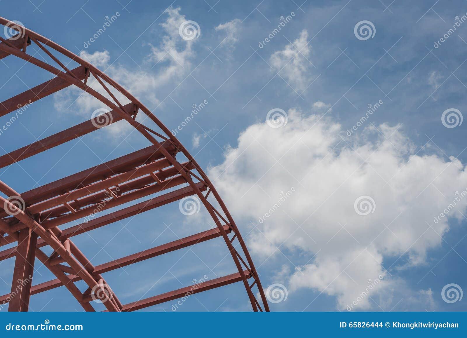 Modernes Gebäude Mit Stahlrahmenkonstruktion Stockfoto - Bild von ...