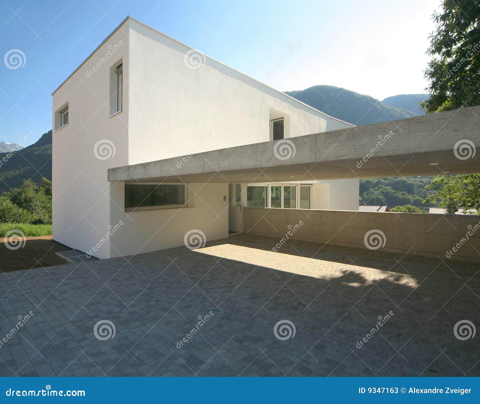 Modernes Haus stockbild. Bild von extern, farbe, blau - 9347163