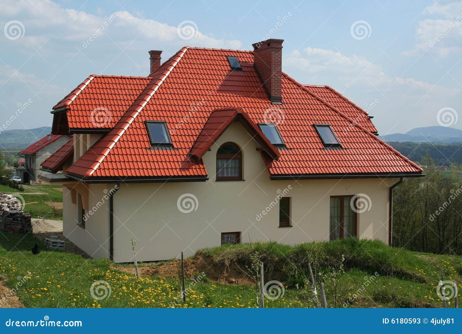 Modernes Haus Mit Rotem Dach Stockbild Bild Von Dorf