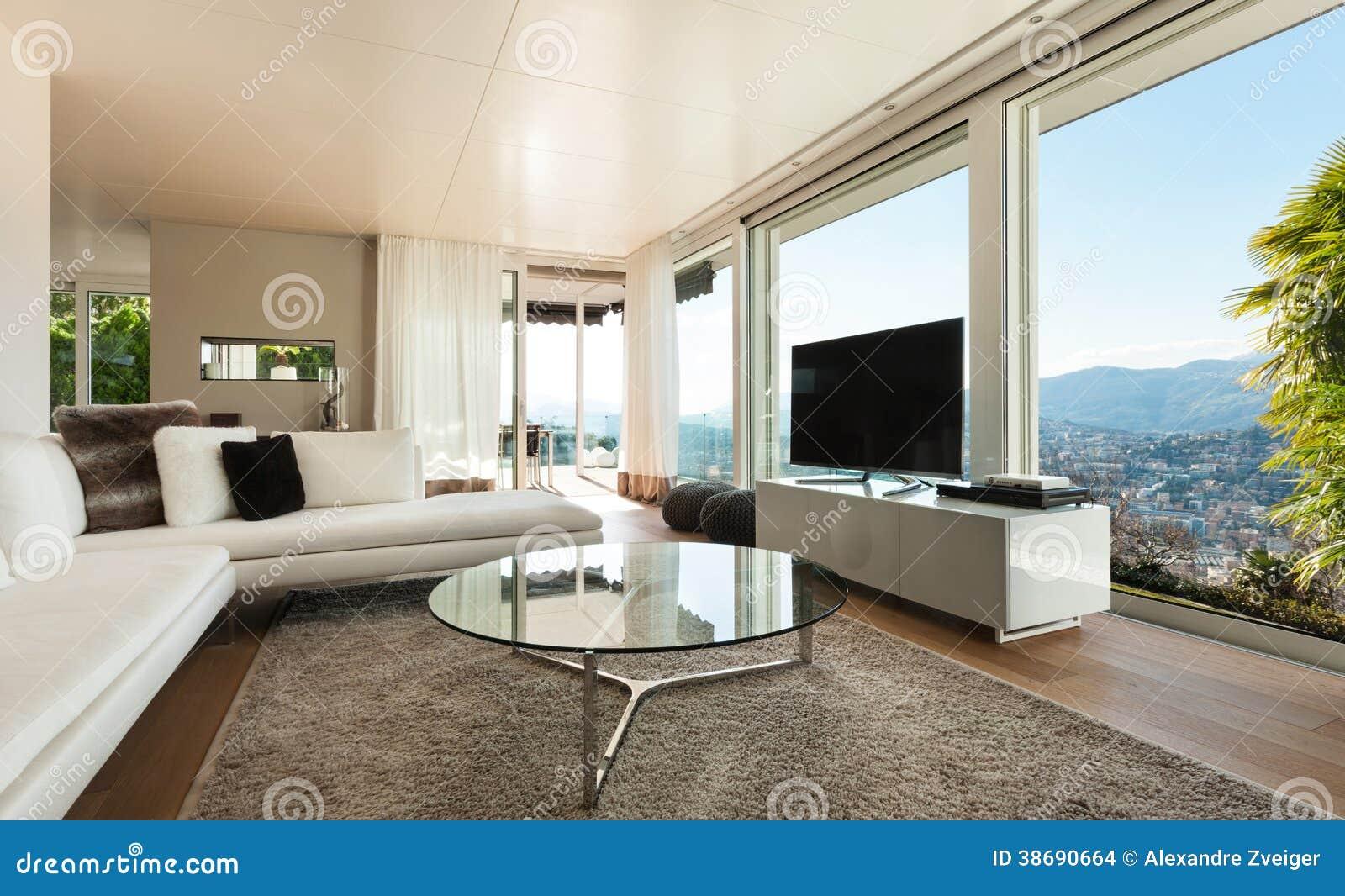 Modernes Innenhaus, Wohnzimmer Stockfoto - Bild von zustand, couch ...