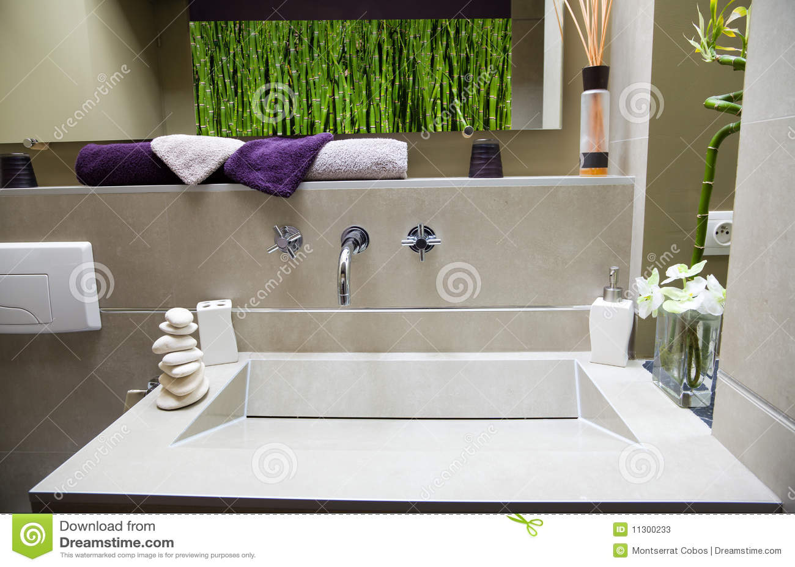 Modernes luxuriöses Badezimmer