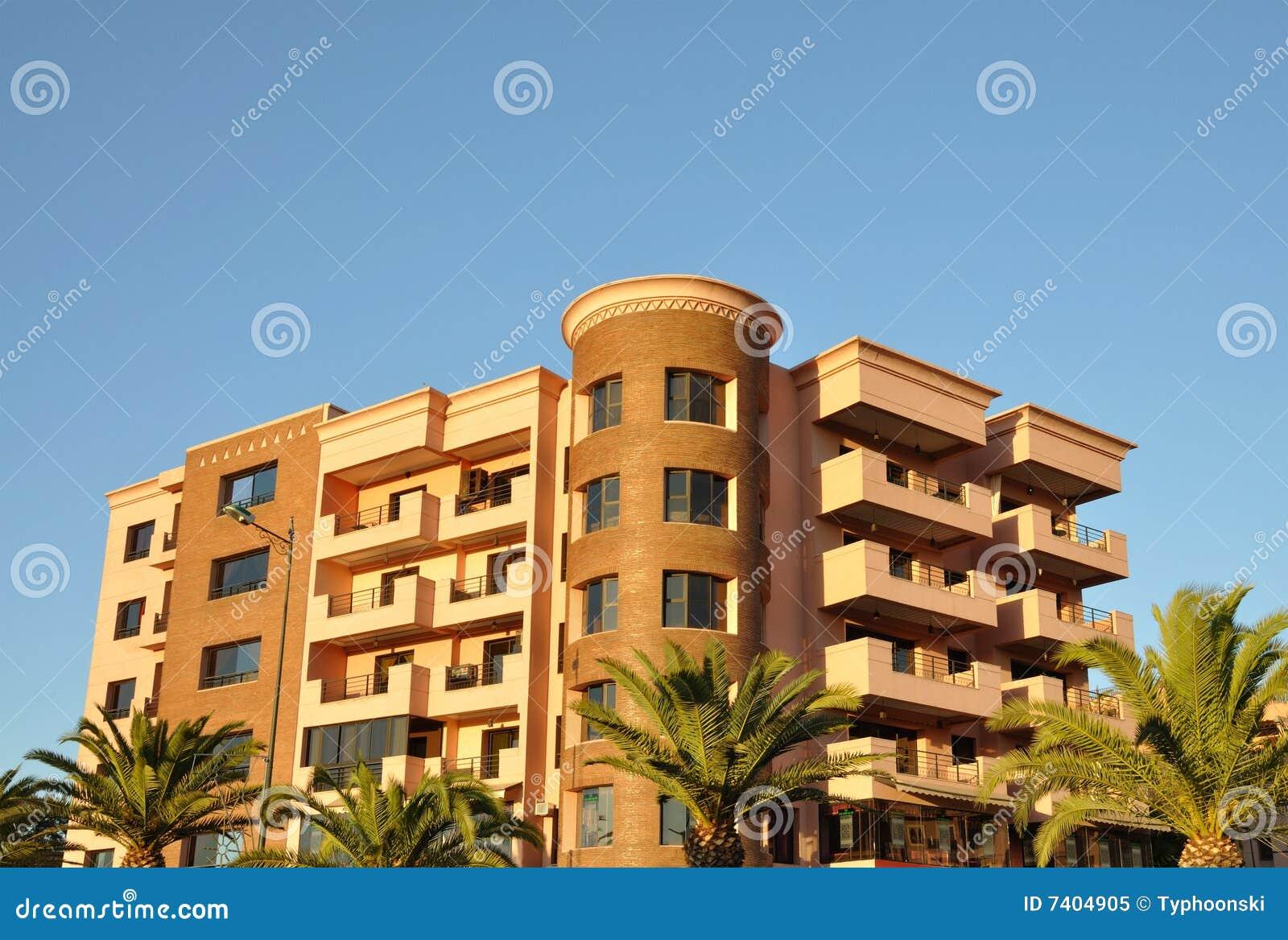 Modernes städtisches Gebäude in Marrakesch