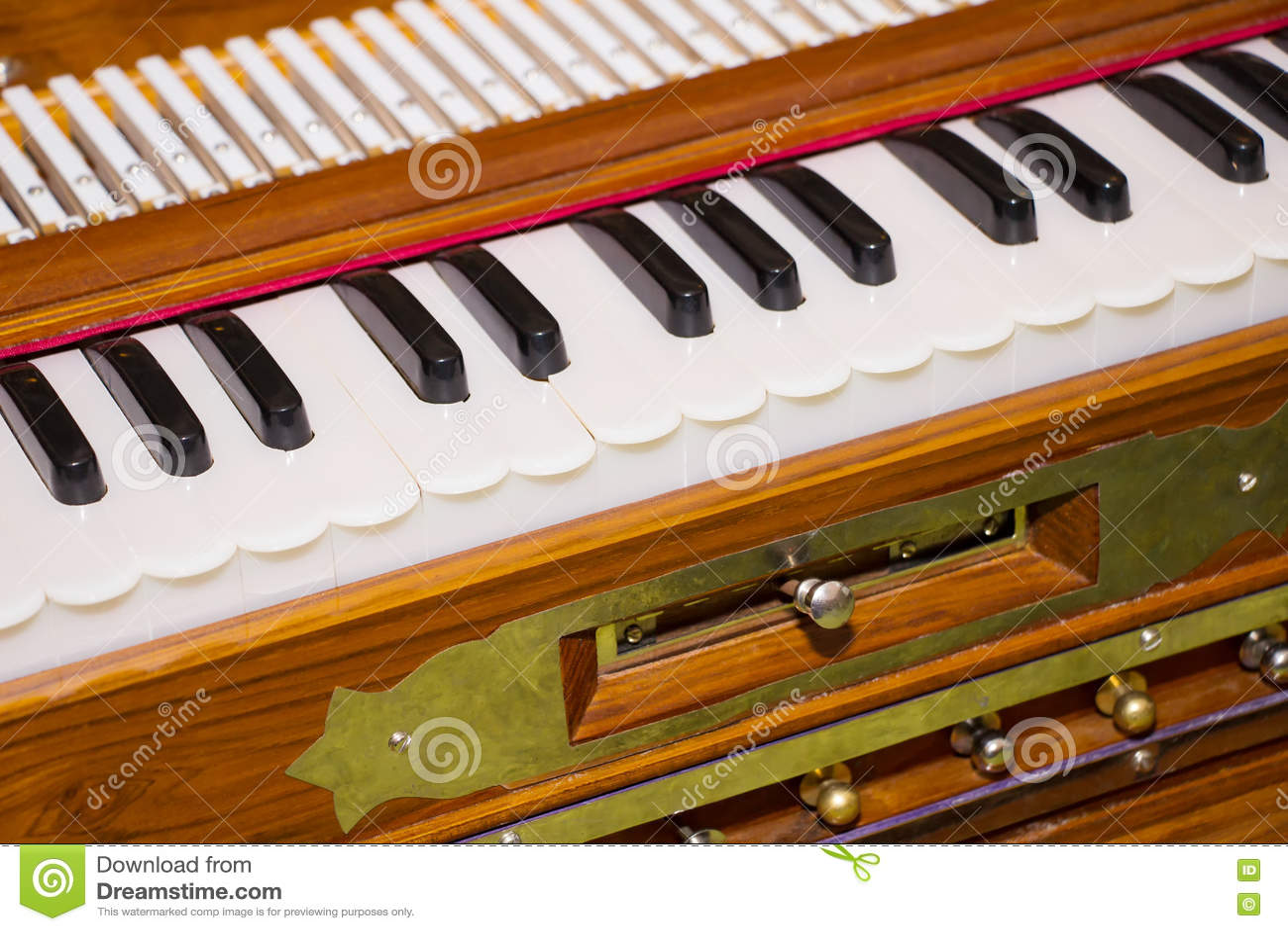 Modernes tragbares Harmonium, traditionelles Tastaturmusical instrume