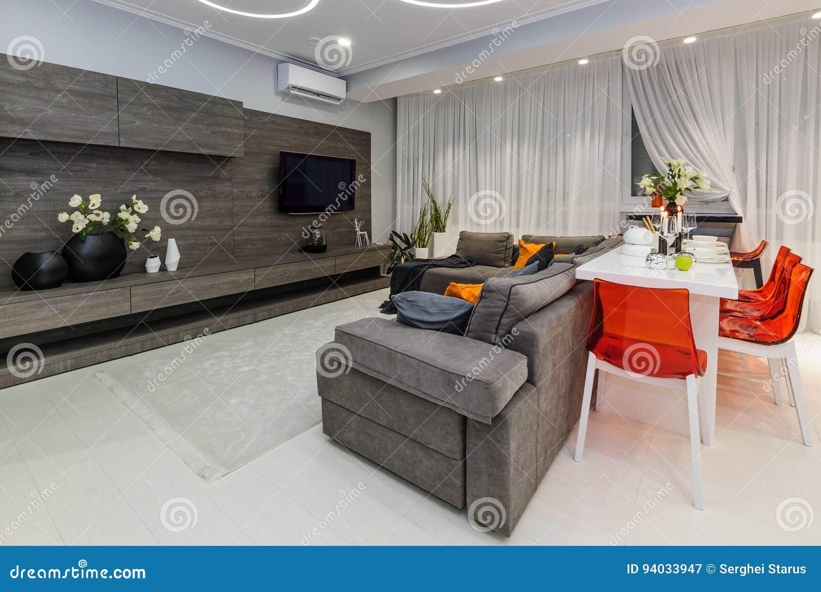 Modernes Weisses Wohnzimmer Mit Speisetische Stockbild Bild Von