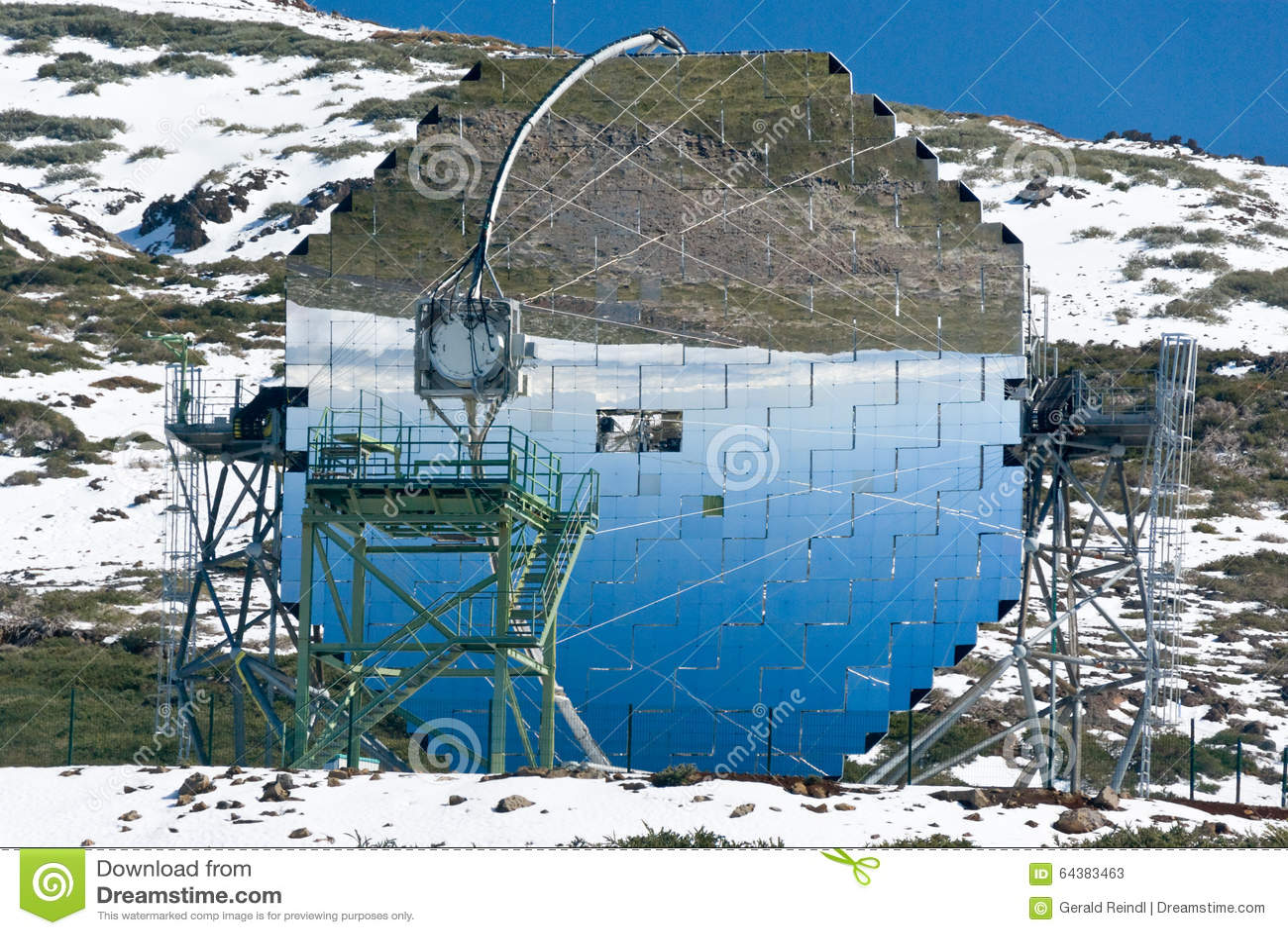 Modernes wissenschaftliches astronomisches observatorium teleskop