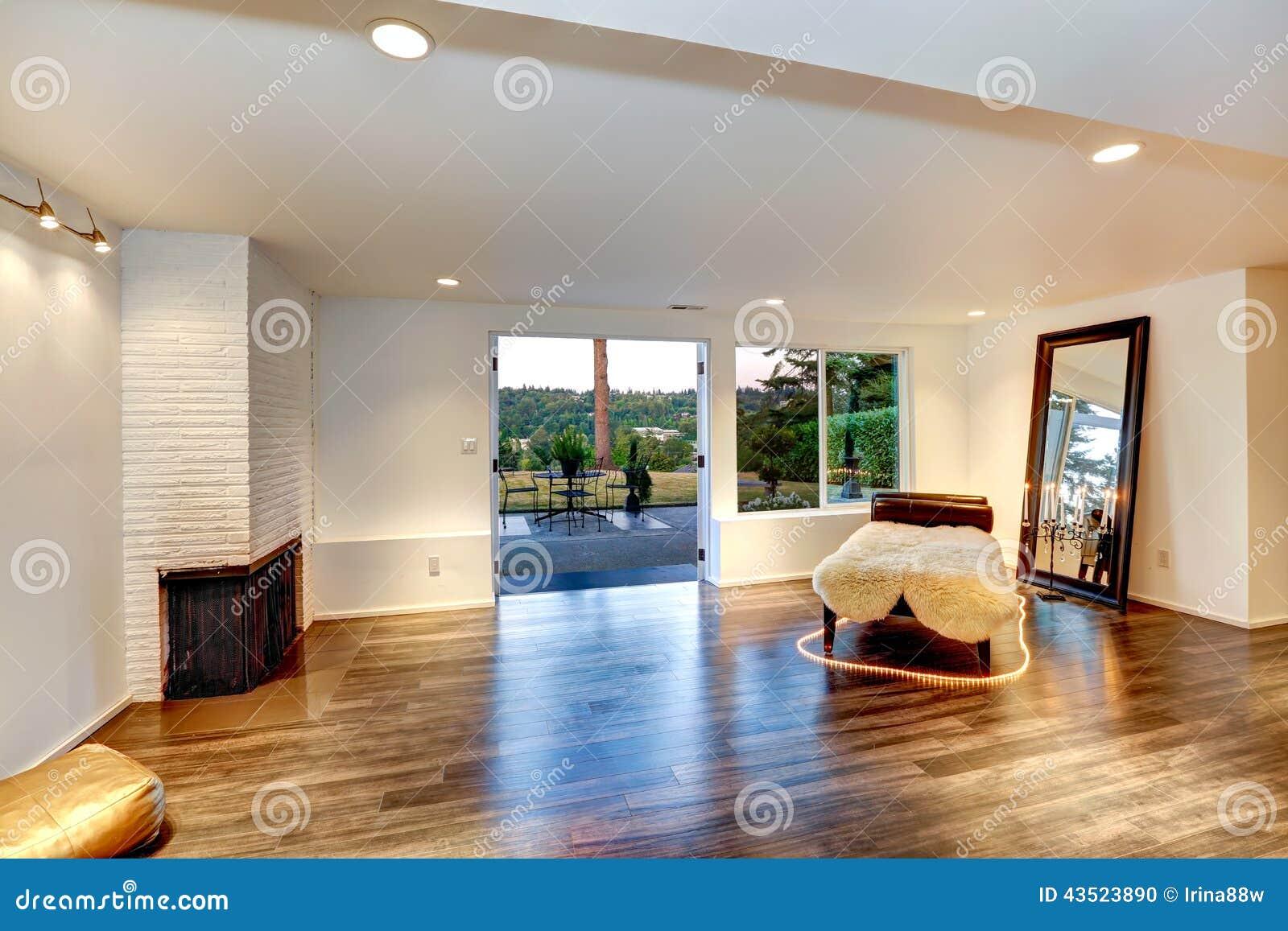 Modernes wohnzimmer bilder for Wohnzimmer spiegel