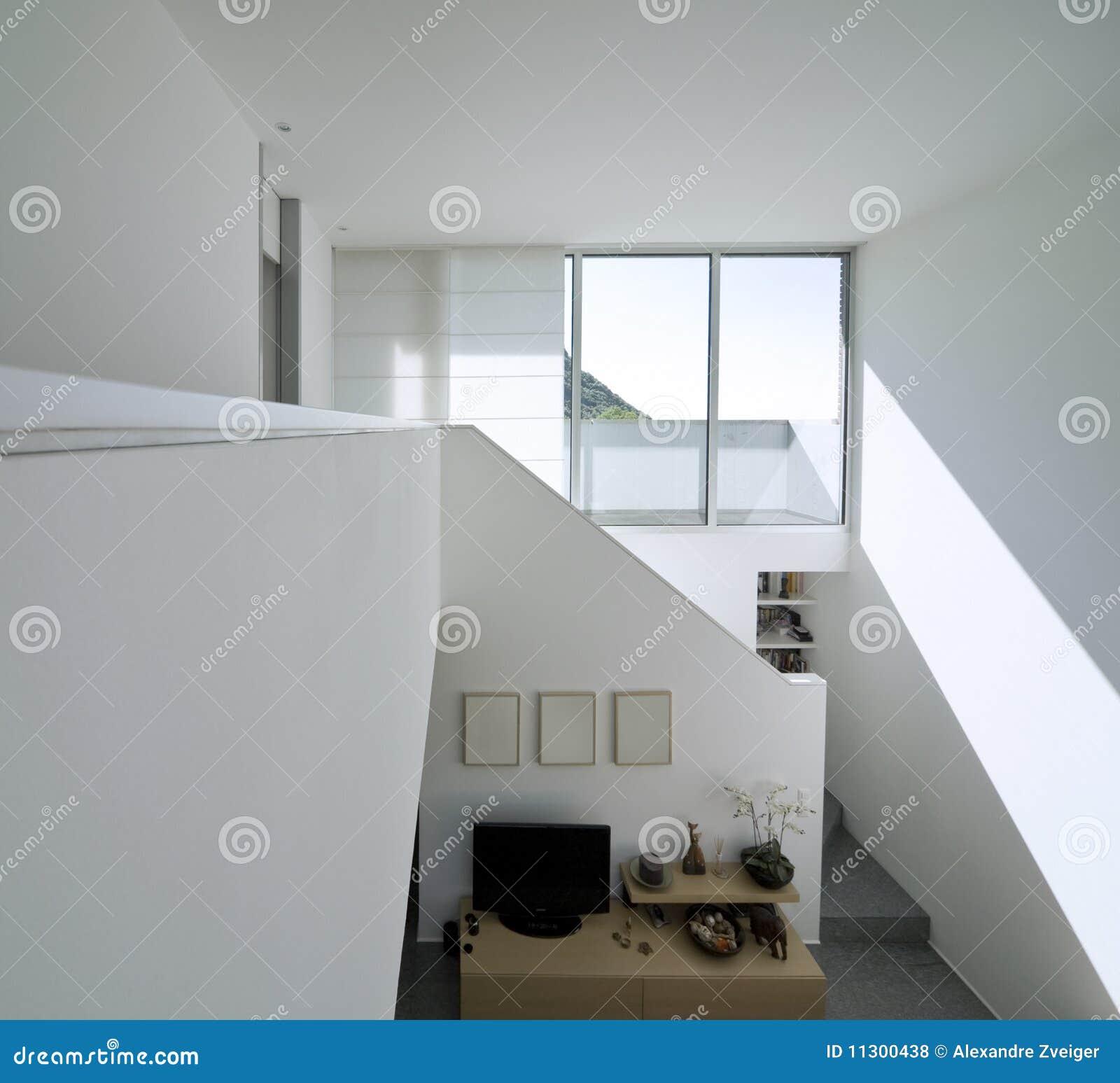 Modernes Ziegelsteininnenhaus