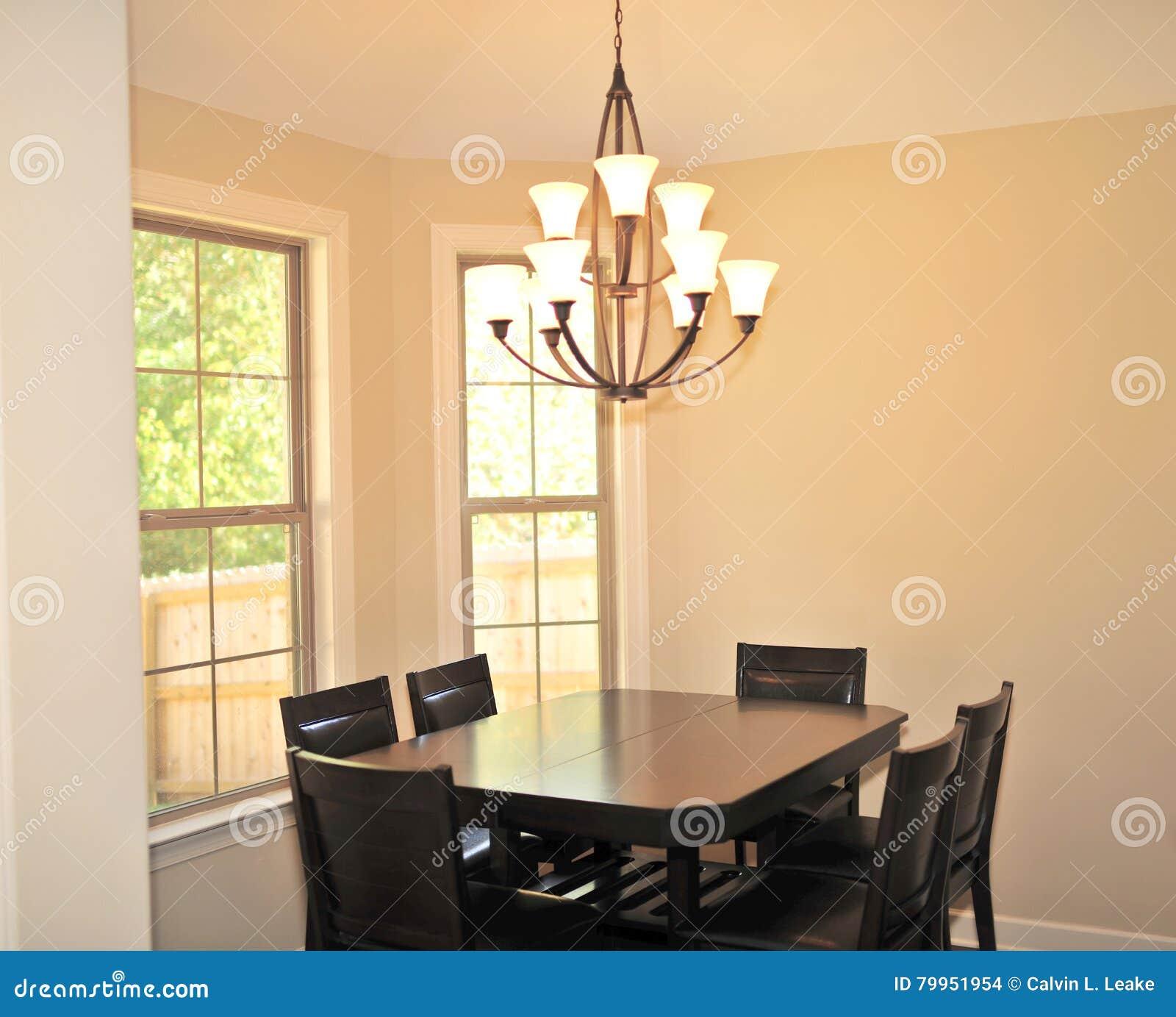 Modernt formellt belysningfast tillbehör