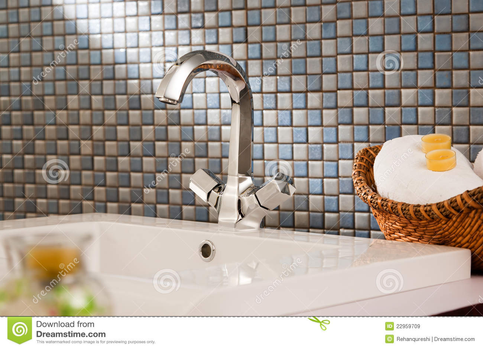 Modernt Handfat För Badrum Royaltyfria Bilder - Bild: 22959709