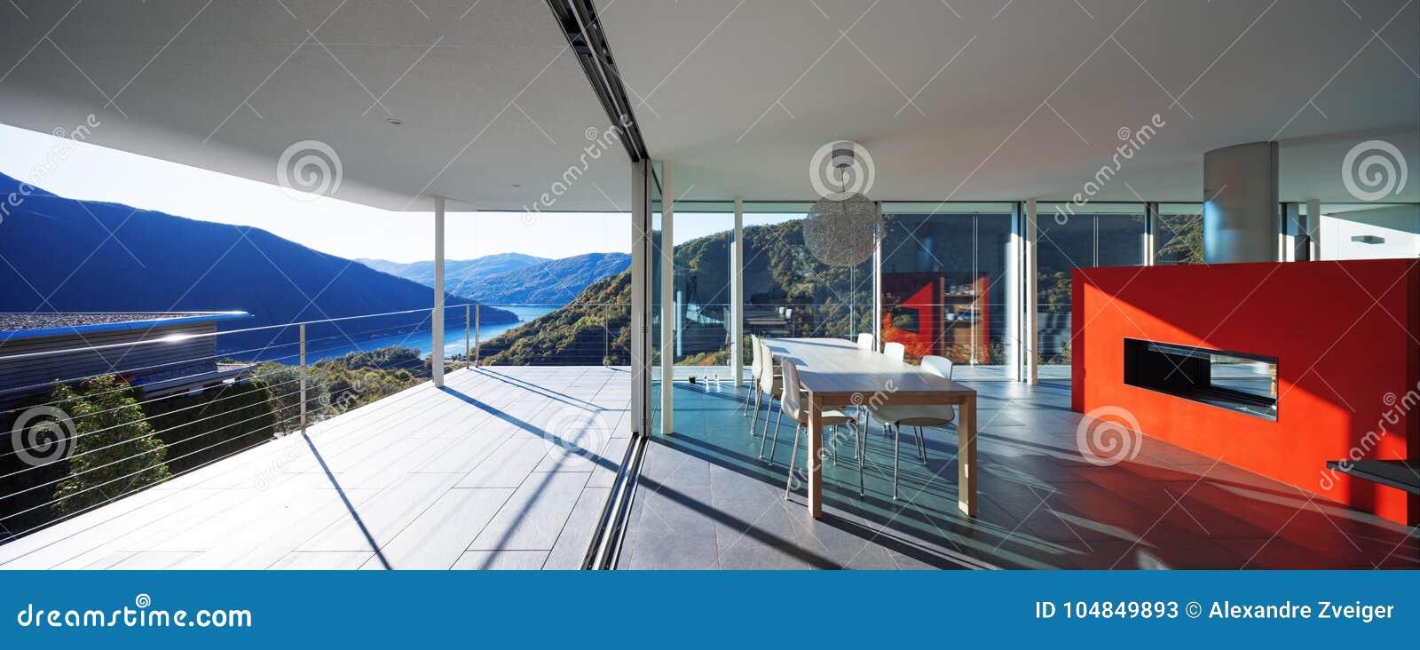 Modernt hus, sikt från balkong
